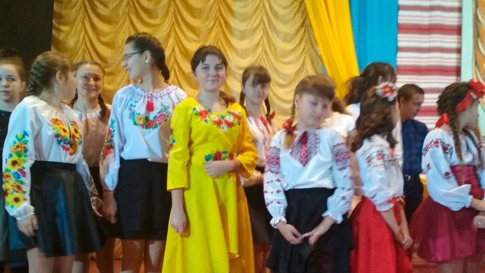 Районний фестиваль патріотичної пісні та сучасного танцю